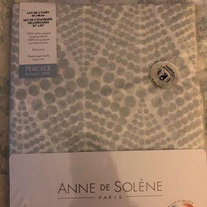NWT Anne de Solene Paris 2 standard pillowcases